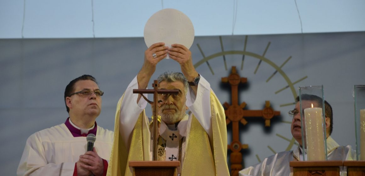La Eucaristía nos congrega en la unidad y nos llama a la reconciliación.
