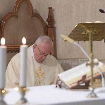 Papa en Santa Marta: acusarse a sí mismo, nunca a los demás