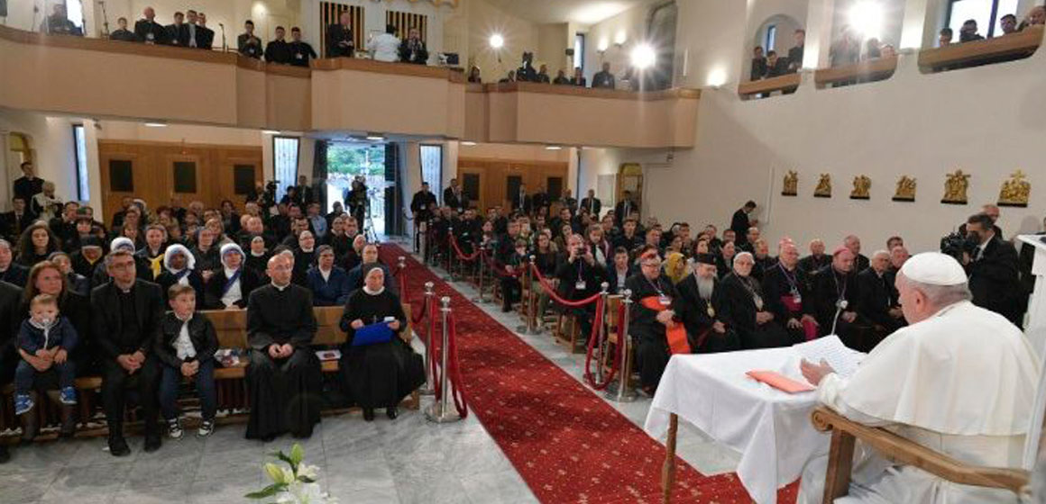 El Papa Francisco se encuentra con los sacerdotes y religiosos de Macedonia