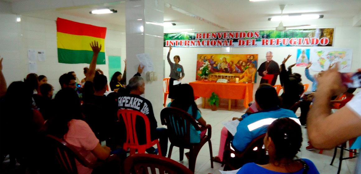 """Panel: """"Realidad de la migración en Bolivia y en América Latina""""."""