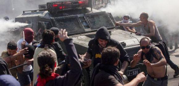 En Chile las protestas dejan 11 muertos. el presidente Piñera llama al diálogo social.