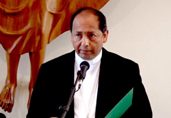 Obispo de Potosí,  pide la renuncia del presidente por respeto a Potosí y a Bolivia.
