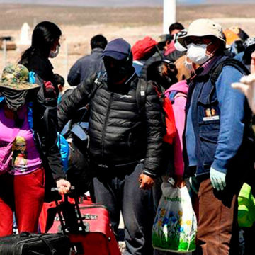 Bolivia pone en cuarentena a 480 repatriados por Covid-19