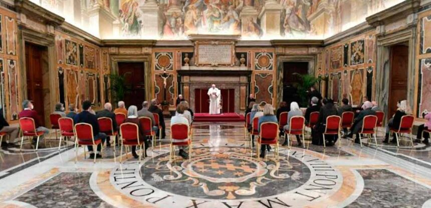 El Papa: Que nadie tenga que sufrir por falta de pan o soledad.